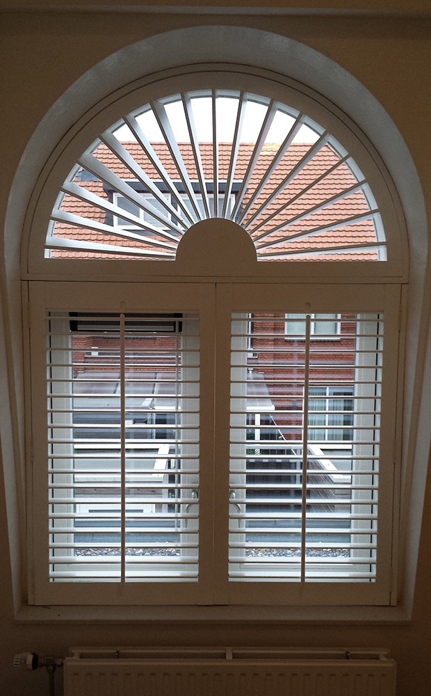 Allround shutter bsl raambekleding for Raamdecoratie hout